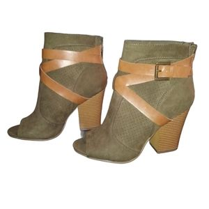 dark green&tan buckle ankle boots